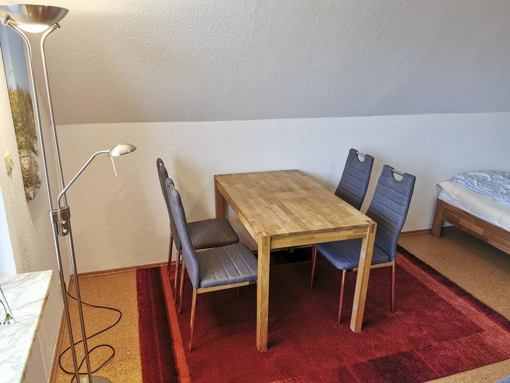 FeWo_Deichblick-21-Stinteck-Haus-Deichlaeufer_Essbereich