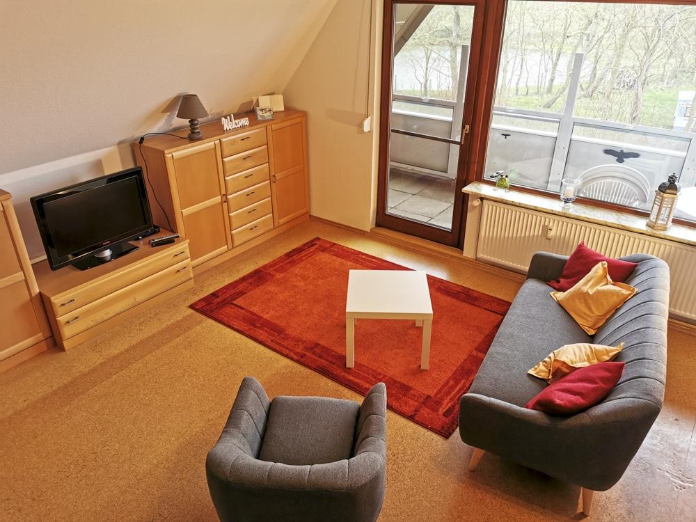 FeWo_Deichblick-21-Stinteck-Haus-Deichlaeufer_Wohnzimmer-von-oben
